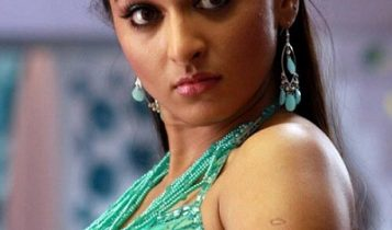 Anushka_photos_hot_reaction