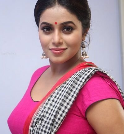 Shamna Kasim Affairs, Age, Family, Height weight, Movies, Cancer details (5)