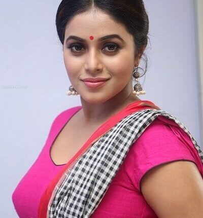 Tamil Actress Name List with Photos_South Indian Actress (37)