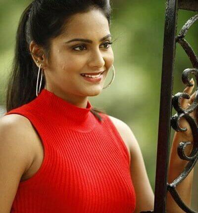 Tamil Actress_lakshmi priya chandramouli