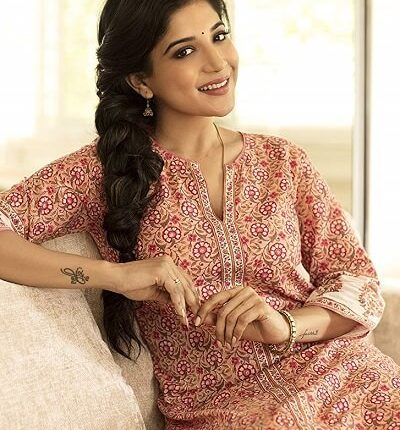 Sakshi Agarwal (Bigg Boss 3) Age, Height, Weight, Movies, Photos, Husband (3)