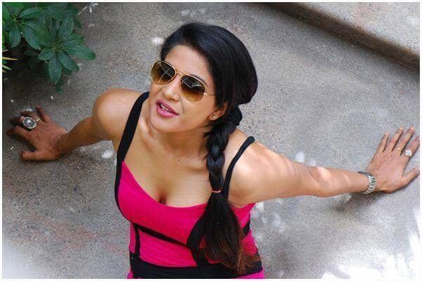 Sakshi Agarwal (Kaala) Age, Height, Weight, Movies, Photos, Husband (1)