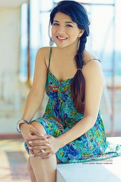 Sakshi Agarwal (Bigg Boss 3) Age, Height, Weight, Movies, Photos, Husband - Tamil Actress Diary