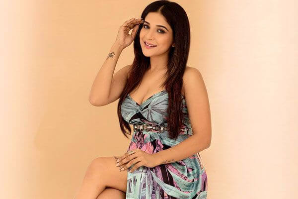Sakshi Agarwal (Kaala) Age, Height, Weight, Movies, Photos, Husband (9)