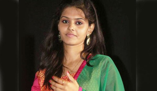 Swathishta krishnan Age, Wiki, Hot, Height, Weight, Movies, Biography (2)