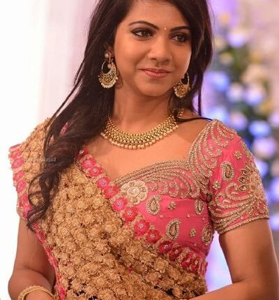 Madonna Sebastian Age, Height, Weight, Husband, Family, Biography (5)