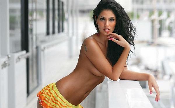 Bruna Abdullah's Hot Topless Photo
