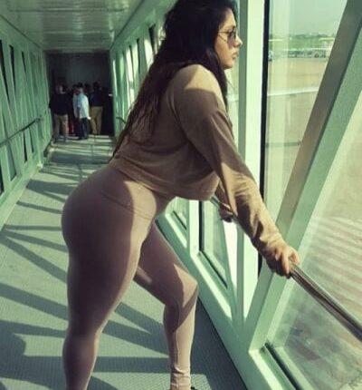 Namitha Body show-looks hot and sexy in tight body leggin (1)