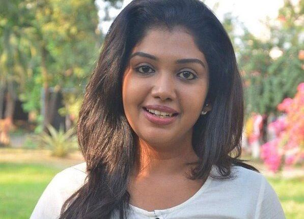 Riythvika Age, Height, Weight, Husband, Family, Movies, Photos (1)