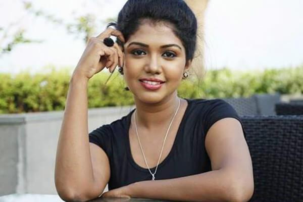 Riythvika Age, Height, Weight, Husband, Family, Movies, Photos (2)
