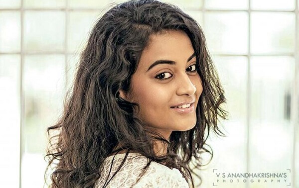 Suja Varunee Husband, Marriage Photos, Age, Height, Weight, Family