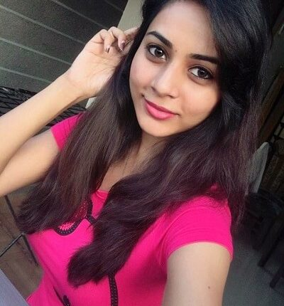 Suza kumar Age, Height, Weight, Selfie, Husband, Family, Wiki, Selfie (1)