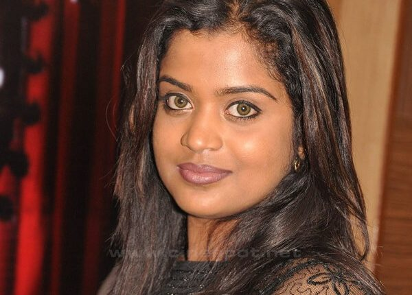 Suzane George Husband, Age, Height, Weight, Photos, Movies (3)