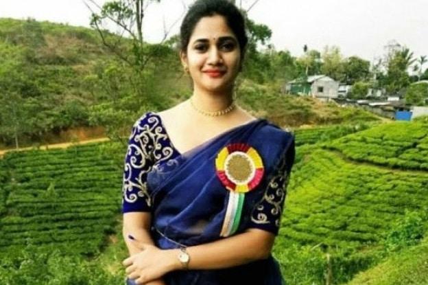 Losliya Big Boss 3 Tamil, Age, Height, Weight, Husband, Photos (2)